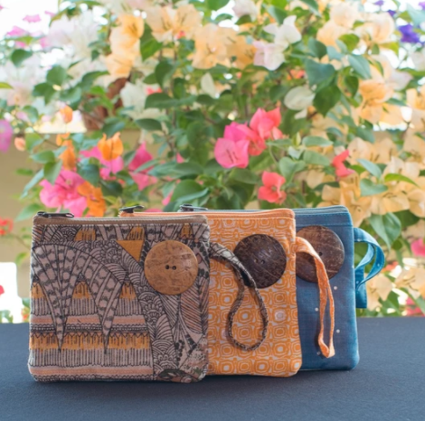 "Sak Saum ""For Freedom"" Coin purses and cosmetic bags"